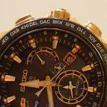 白い腕時計ゴムベルトの具体的な黄ばみの落とし方