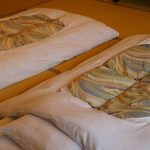 【生活の知恵】冬の冷たい布団を簡単に温めて寝付きやすくする方法
