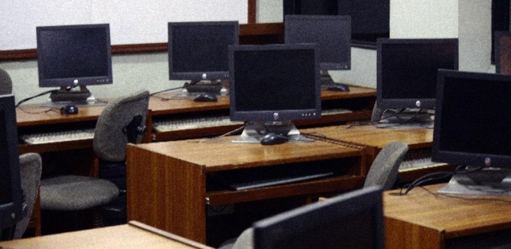 教室のデスク