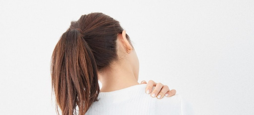 肩こり女性