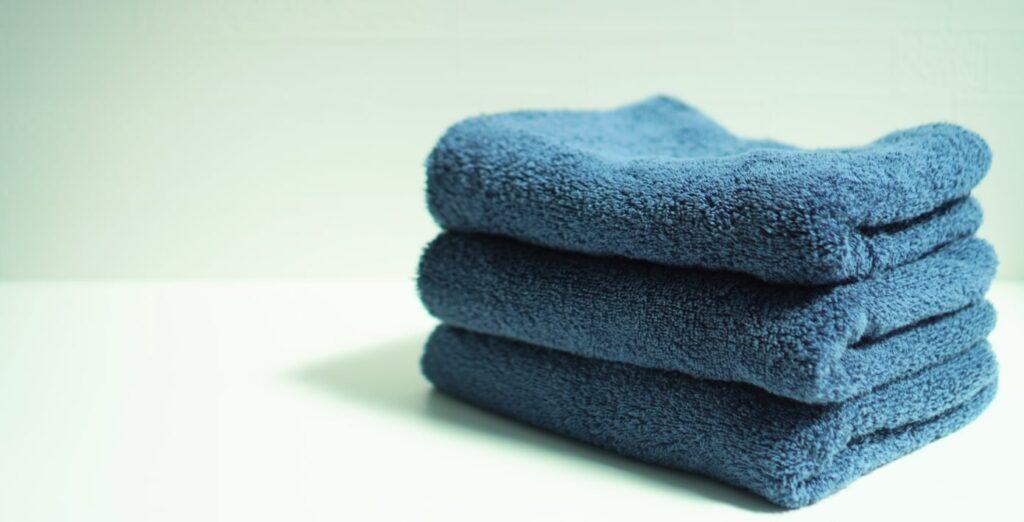 青いタオル