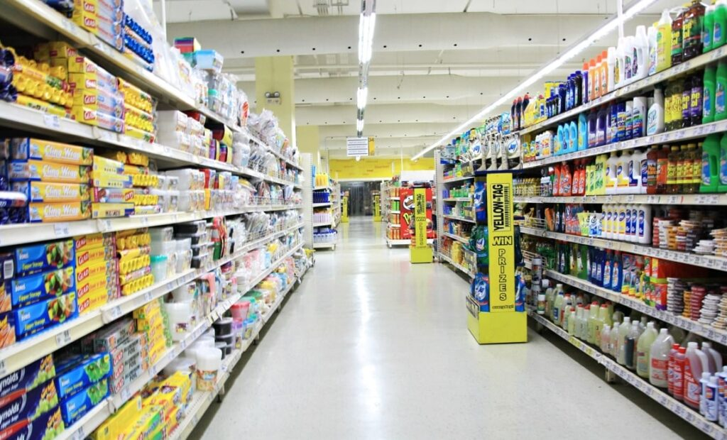 スーパーの店頭